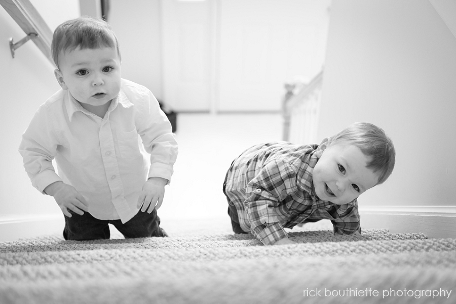 family portrait photography - twin toddlers climbing stairs b&w