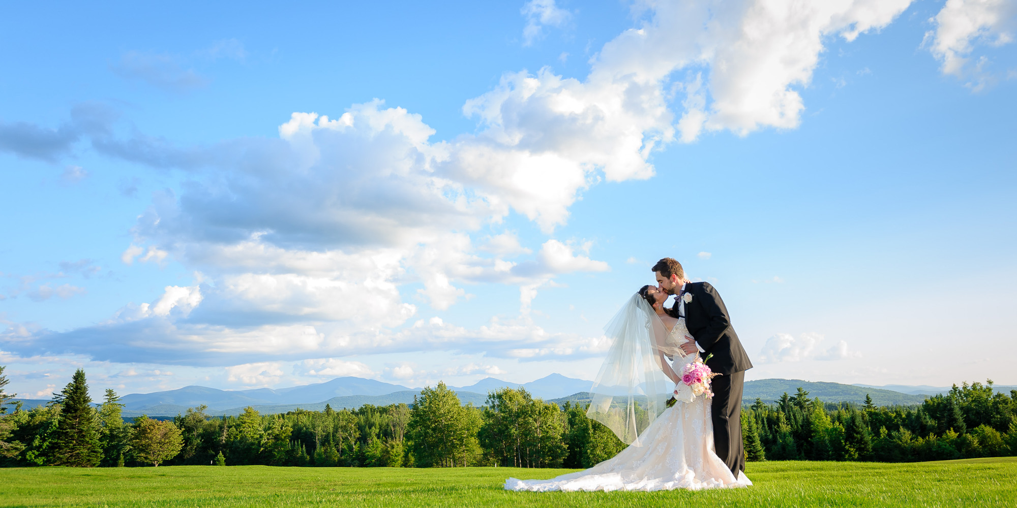 Kisses, Pecks, Smooches + Hugs Of 2014 | New Hampshire Wedding Photography