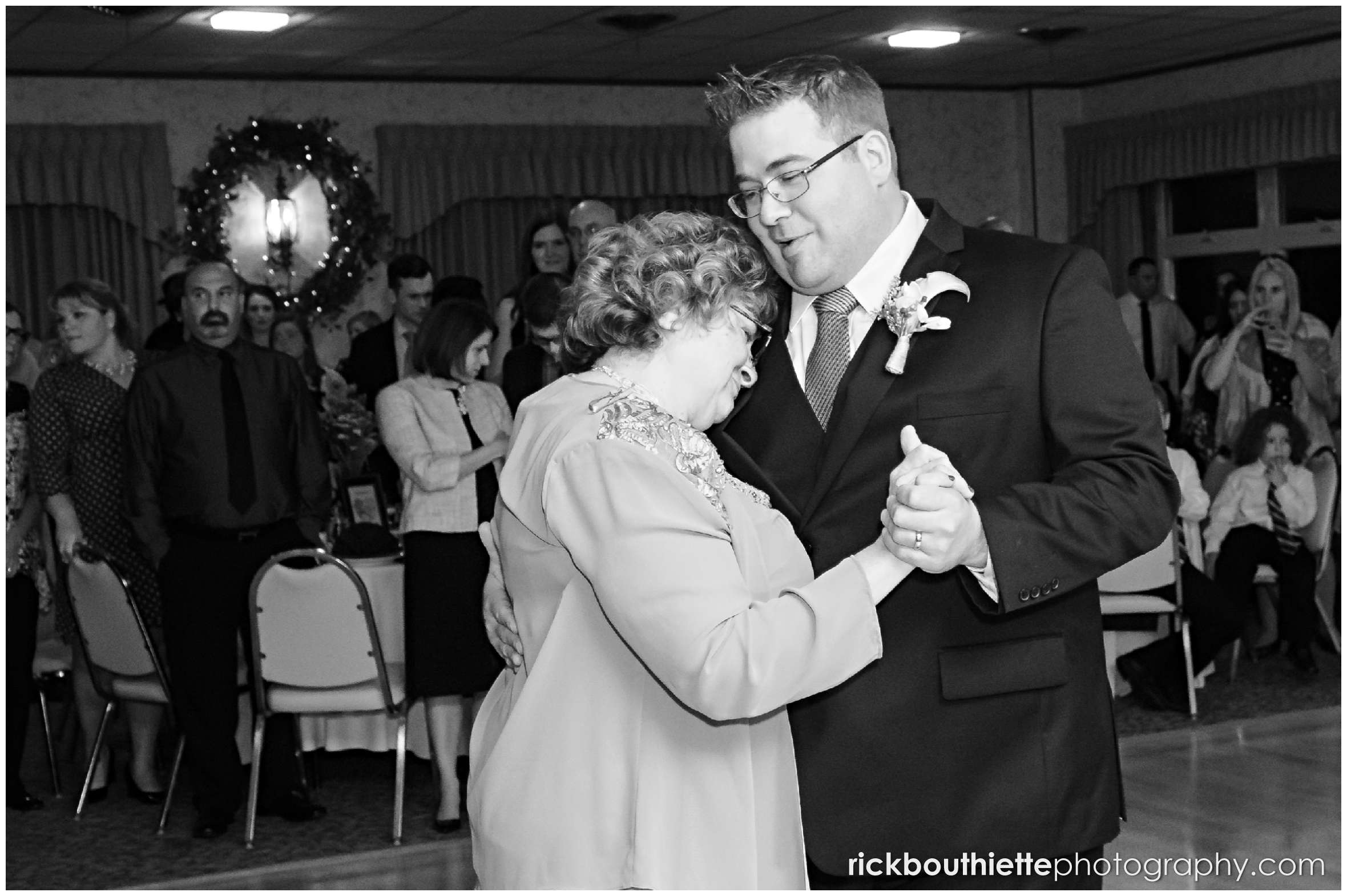 Mother & son dance at Harris' Pelham Inn wedding