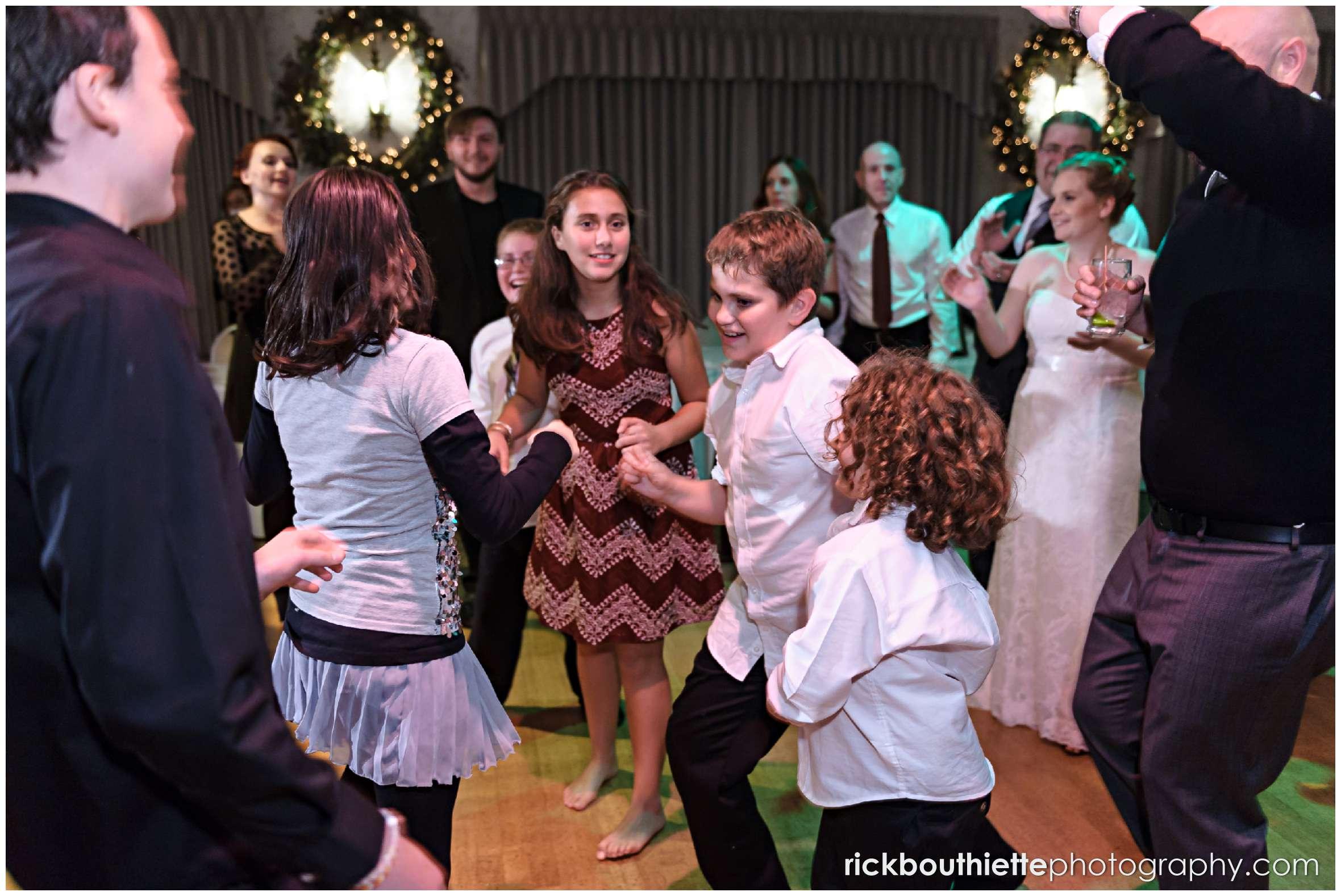 guests dancing at New Hampshire seacoast wedding