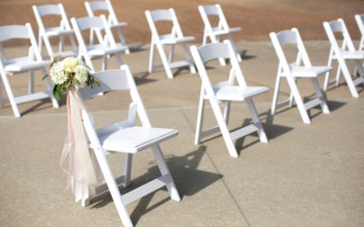 How to Encourage Social Distancing at Your Wedding